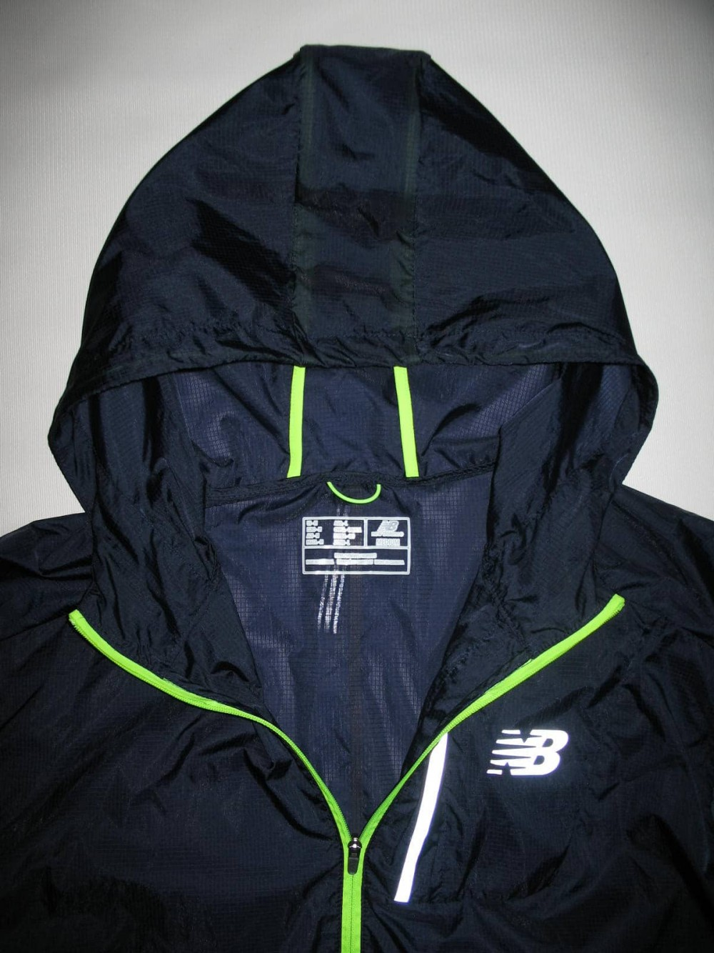 Куртка NEW BALANCE lite packable jacket (размер M/L) - 4